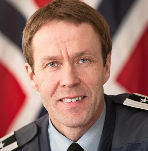 VETERAN: Oberst Inge Kampenes (44) ledet det f�rste norske krigsoppdraget med F16 i 1999 da Nato gikk til angrep mot Jugoslavia for � hindre folkemordet i Kosovo. Foto: Luftforsvaret