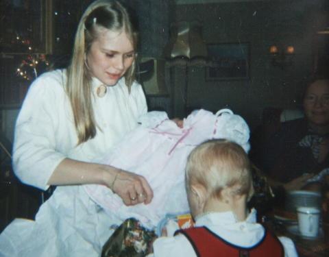 UNG MOR: Da hun var 19, fikk Elisabeth en datter. Jenta vokste opp i en fosterfamilie.  Foto: Agnete Brun / Dagbladet