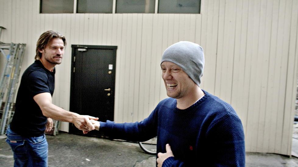 GODE VENNER:  Aksel Hennie (t.h.) og danske Nikolaj Coster-Waldau har blitt gode venner og skryter uhemmet av hverandre etter å ha spilt inn Nesbøs «Hodejegerne».  Foto: Torbjørn Grønning / Dagbladet