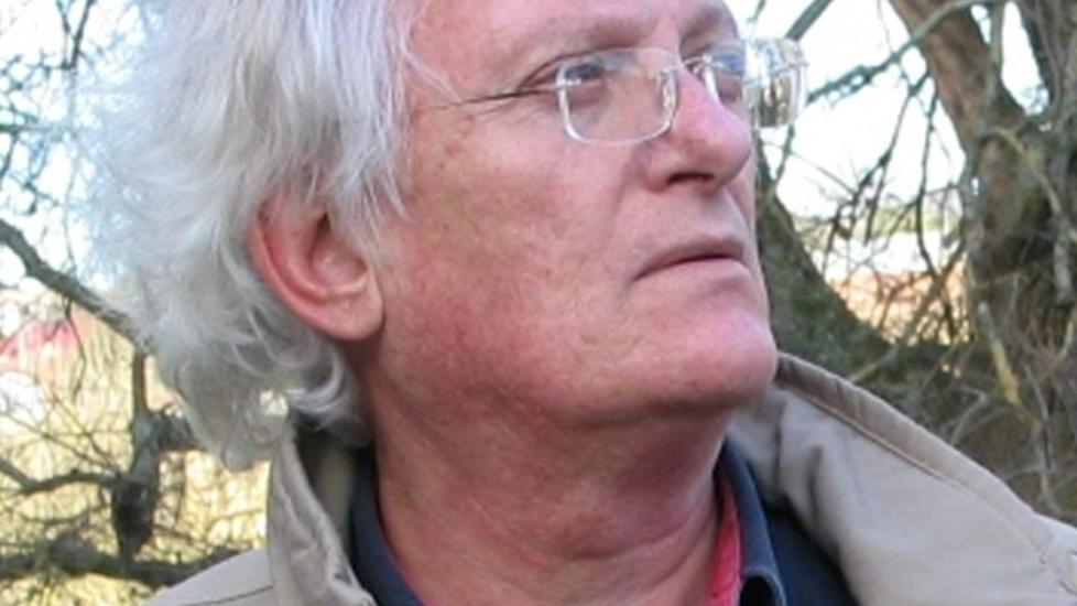 BLANT DE YPPERSTE: I motsetning til mange av sine kollegaer har den australske krimforfatteren Peter Temple forst�tt hvilken avgj�rende rolle spr�ket spiller n�r det dreier seg om � skape stemninger i leseren. Det gj�r at �Sannhet� g�r utenp� det aller meste i sjangeren. Foto: FORLAGET PRESS