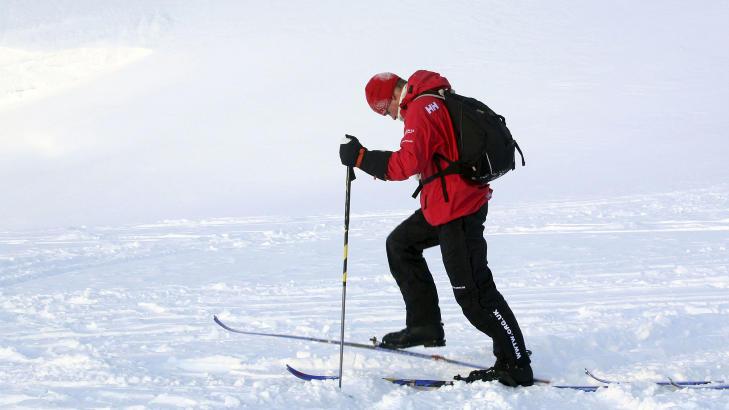 LANG TUR: Prins Harry skal v�re med gruppa �Walking With the Wounded� p� en marsj mot Nordpolen. I g�r var de samlet p� Spitsbergen. Foto: David Cheskin/Reuters/Scanpix