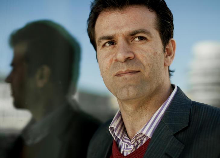 - UFORST�ELIG: Den iranske advokaten og menneskerettighetsaktivisten Mohammad Mostafaei, har vanskelig for � forst� at norske myndigheter kunne sende Rostami ut av landet. Foto: Espen R�st/Dagbladet