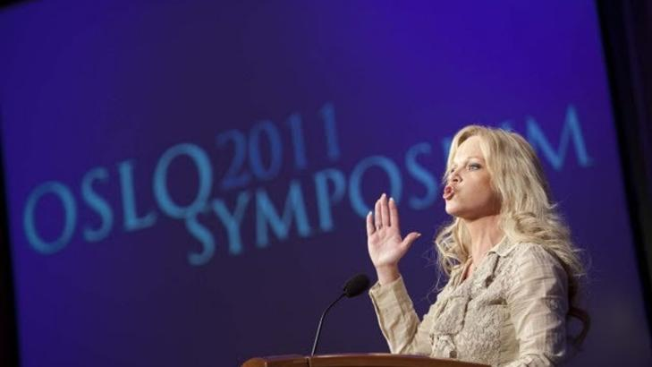 OSLO SYMPOSIUM: Hanne Nabintu Herland taler p� den kristenkonservative samlingen. Foto: Oslo Symposium