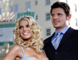 FORHOLDET R�YK: Jessica Simpson og Nich Lachey fra tv-serien �Newlyweds�. Foto: Mario Anzuoni/Reuters/Scanpix