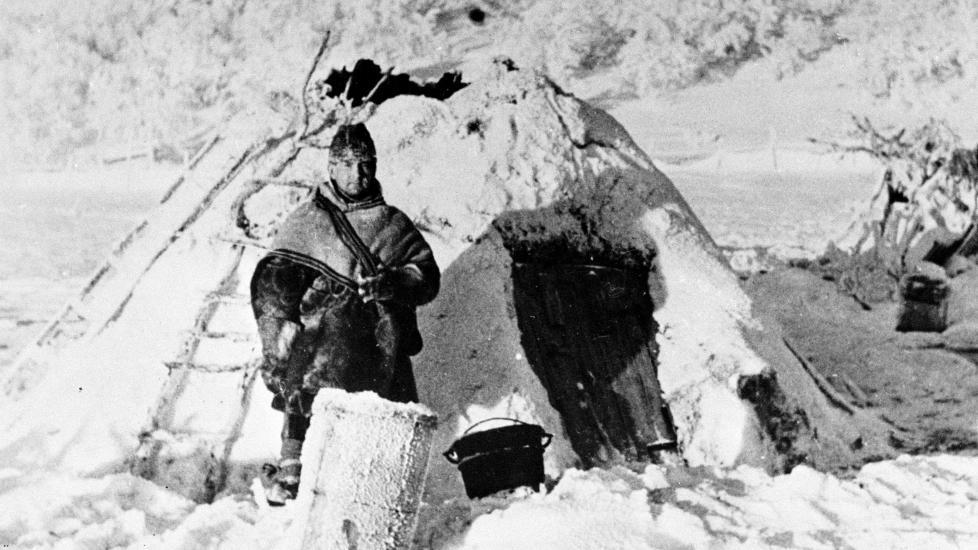 KULTUREN SOM FORSVANT: Det er ikke bare nordnorsk samtidshistorie fra 1940-tallet som er blitt visket ut. Også det kvenske folkets kultur forsvant ut av syne etter krigen, skriver kronikkforfatteren. Under andre verdenskrig måtte deler av Finnmarks befolkning flykte innover på Finnmarksvidda. ?Foto: Scanpix