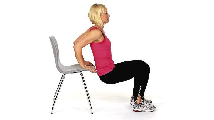 ARMER: Sett hendene på en stol med fingrene fremover.Foto: Petter Berg, HM Foto