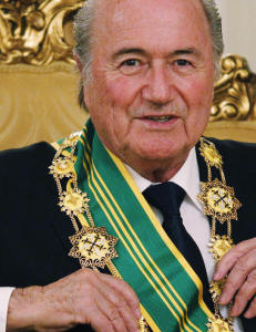 Slik betalte nordmenn og Mugabe Sepp Blatters FIFA-dr�m