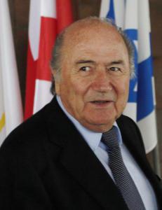 Noen m� stoppe Blatter - jeg foresl�r Yngve Hall�n
