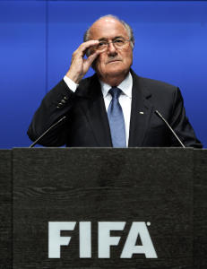 Derfor kneler Norge for Sepp Blatter