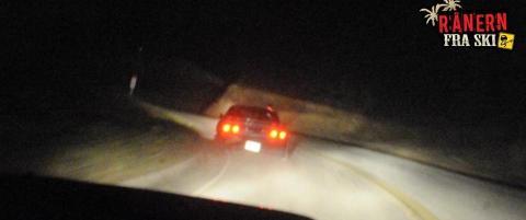 Livsfarlig lek p� feil side av veien