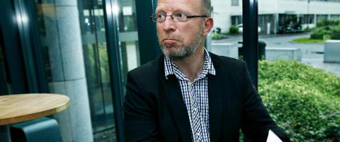 Treholt-forfatter langer ut mot kommisjonen
