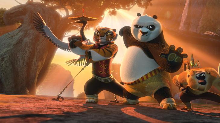 KARATE KIDS: Yosef og Tshawe har spilt inn stemmene til henholdsvis Monkey (t.h.) og Mantis (p� ryggen til Monkey) i filmen �Kung Fu Panda 2�. Foto: Filmweb