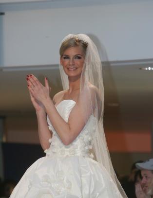 - Skulle �nske jeg kunne gifte meg igjen