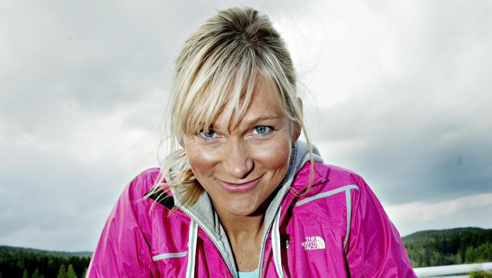 Hardhaus: Frikjører og basehopper Karina Hollekim fikk beskjed om at hun måtte amputere beinet og ikke ville gå igjen. I fjor kjørte hun i puddersnøen for første gang. Foto: Nina Hansen