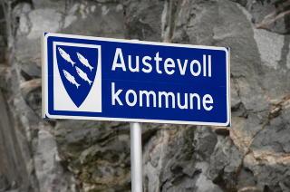 FISK: Kommunevåpenet til Austevoll er det i Norge som har flest fisker i seg, ifølge ordføreren. Fiskeri er en av de viktigste næringene i kommunene. Foto: Tor Erik H. Mathiesen