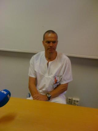 NI PASIENTER: P�l Aksel N�ss Oslo Universitetssykehus sier at flere av pasientene er til dels alvorlig skadd. Foto: Anders Holth Johansen