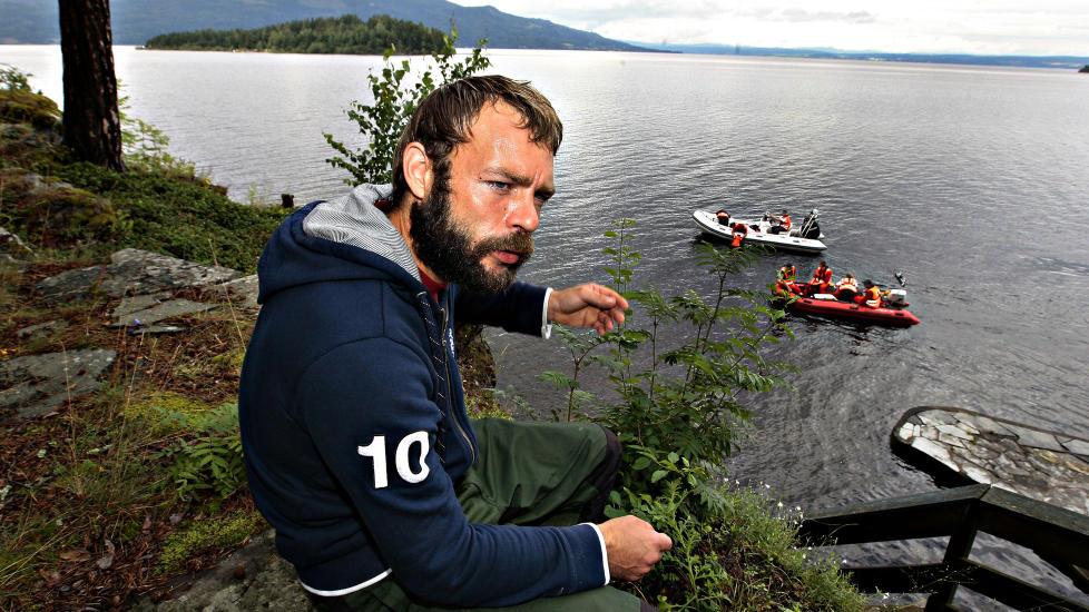 REDNINGSMANN: Marcel Gleffe dro ut til Ut�ya fra campingplassen like ved. Foto: ARNT E. FOLVIK