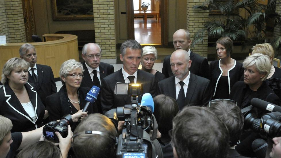 KRISEM�TE: Statsminister Jens Stoltenberg og de parlamentariske lederne m�ttes i dag til et krisem�te p� Stortinget. Foto: Hans Arne Vedlog / Dagbladet
