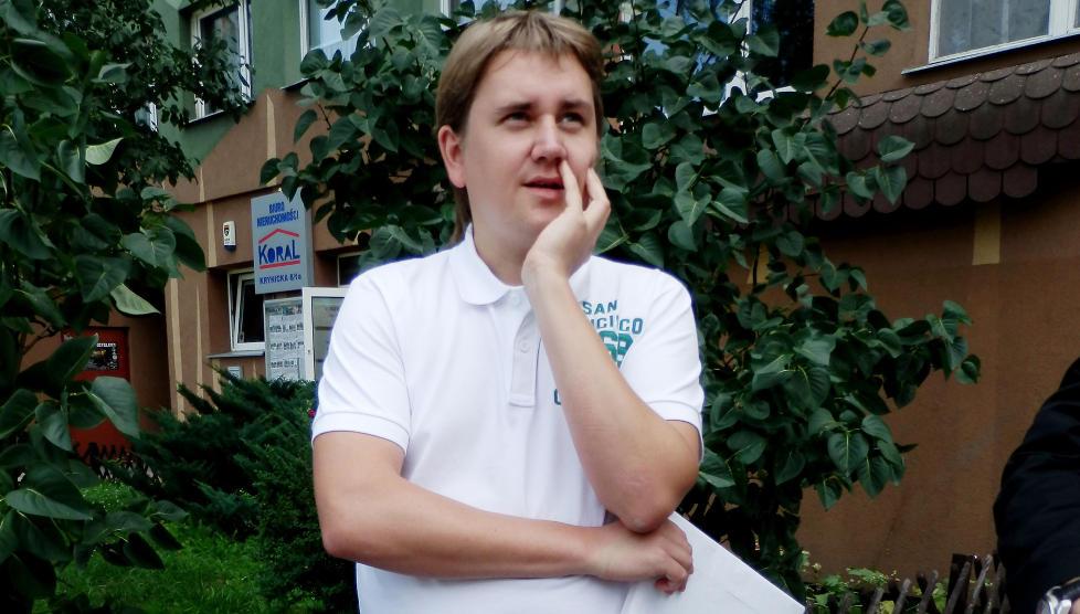 SIKTET FOR � LEVERE KJEMI TIL BOMBA: Polske Lukasz Mikus er n� offisielt siktet for leveranser til Anders Behring Breivik.  Han risikerer n� mellom seks m�neder og �tte �rs fengsel.  —Livet mitt er blitt et mareritt, sier han til Dagbladet. FOTO:ASBJ�RN SVARSTAD