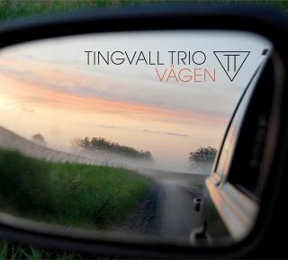 TINGVALL TRIO:  Publikumsvennlig fra trio p� stigende kurs.