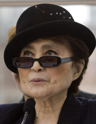 Natt og Dag i trbbel med Yoko Ono