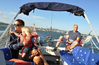 Det var sommer, det var sol: Geir, kona og deres sju barn koste seg p� b�tferie i sommer. Fram til smellet.