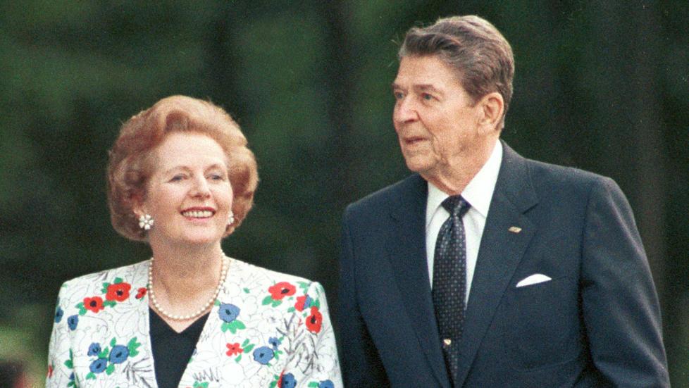 Smittsom sykdom: Margaret Thatcher og Ronald Reagan under et m�te i Canada i 1988. �En smittsom sykdom, eller ideologi, der �kende ulikhet er et viktig symptom, br�t ut i USA og Storbritannia omkring 1980, med Thatchers maktovertakelse i Storbritannia i 1979 og Reagans i USA i 1981�, skriver kronikkforfatteren. Arkivfoto: Gary Hershorn/Reuters/Scanpix