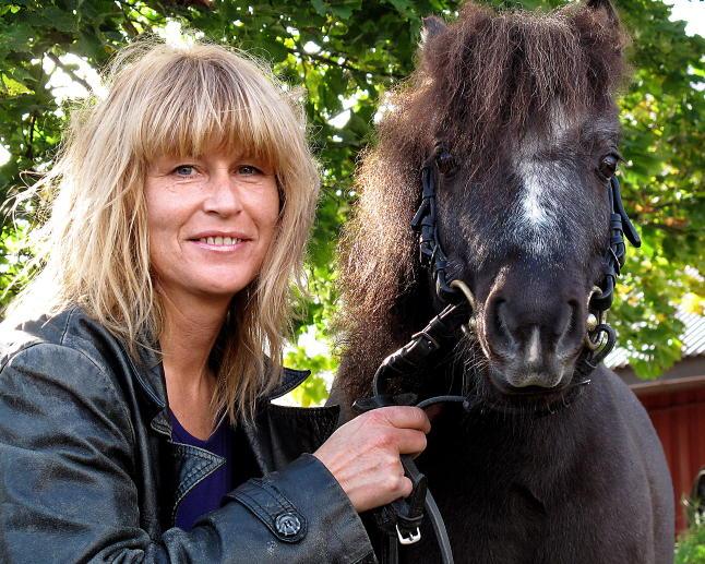 Artisten Hilde Heltberg (51) er død