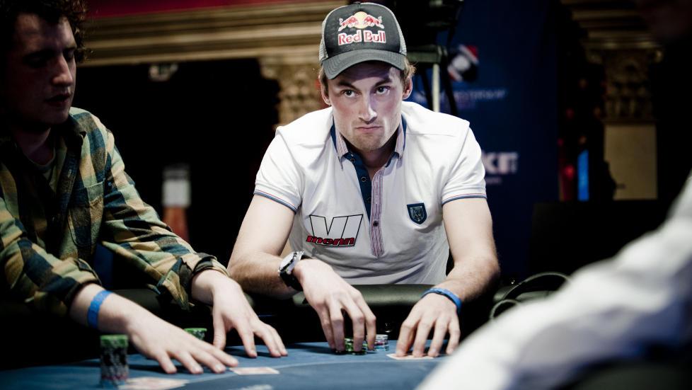 Smart spill: Petter Northug under NM i poker i Riga i 2010. �Det internasjonale tankesportforbundet (IMSA) anerkjente i fjor poker som et smart spill for smarte personer�, skriver forfatteren. Foto: Thomas Rasmus Skaug