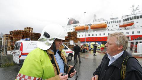 FIRE SAVNET: Det opplyser Bernt Olsvik, fagleder brann (t.v). Foto: Svein Ove Ekornesvåg / Scanpix