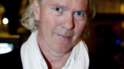 MANNEN MED IDEEN: Arnt-G�ran Hartvig var stolt av � vise fram Damien Hirsts bidrag til � pynte opp Tjuvholmen ved Aker Brygge i Oslo. Foto: �istein Norum Monsen / DAGBLADET