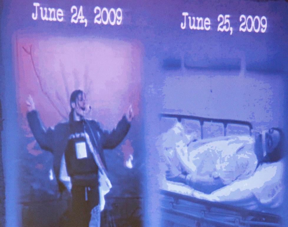 LA FRAM BILDER: Aktoratet viste fram disse bildene under innledningsforedraget i rettssaken mot Michael Jacksons lege. Bildene er tatt med ett d�gns mellomrom. Foto: AL SEIB/AP