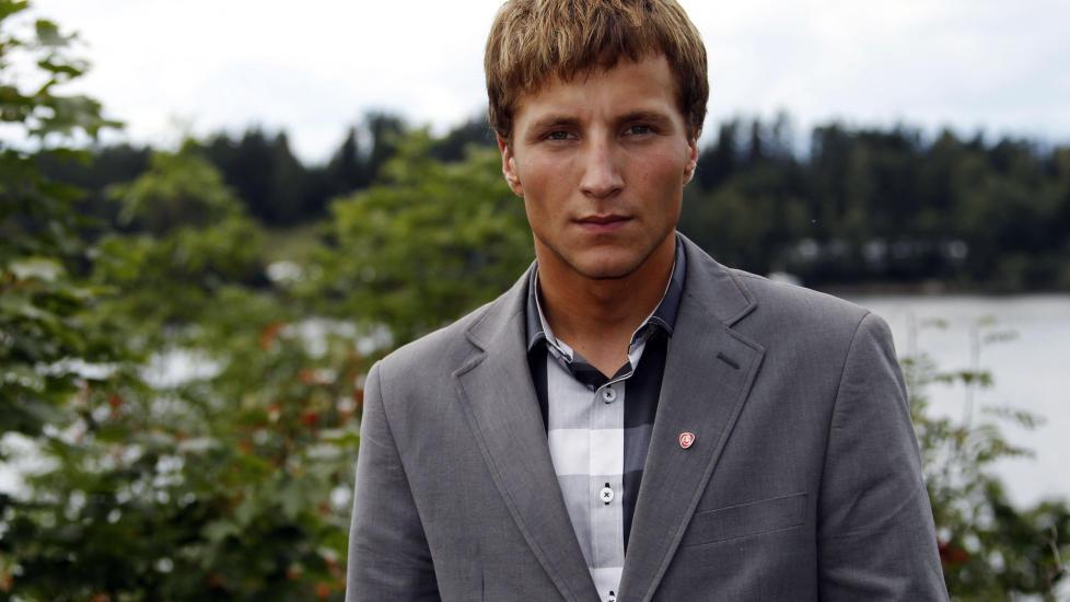 OVERLEVDE: Adrian Pracon ble skutt i skulderen p� Ut�ya 22. juli og overlevde. Han er en av de 33 overlevende etter Ut�ya som er nevnt i tiltalen mot Anders Behring Breivik. Foto: Fabrizio Bensch / Reuters