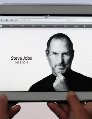 Steve Jobs bisettes fredag