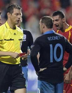 Rooney skriver til Uefa og ber om n�dig behandling