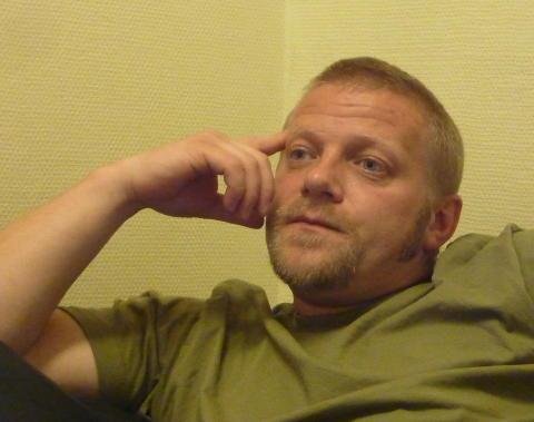 VIGGO KRISTIANSEN (1979):  Ble i 2002 d�mt for voldtekt og drap av to sm� jenter i Baneheia i Kristiansand i mai 2000. Forbrytelsen skal if�lge dommen ha blitt utf�rt sammen med kameraten Jam Helge Andersen.