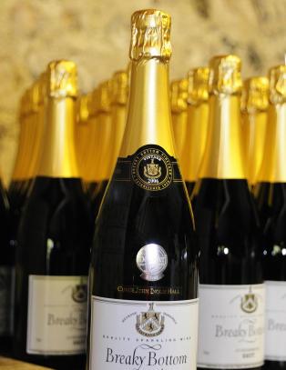 Dette sprudlevannet blir produsert p� samme breddegrad som champagne
