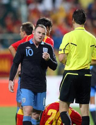 Capello hinter om at Rooney blir med til EM