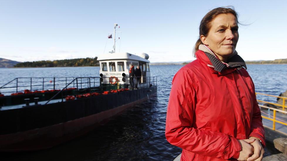 HAR GOD INNTEKT: 22.juli-kommisjonens leder Alexandra Bech Gj�rv etter befaringen p� Ut�ya tirsdag. Foto: H�kon Mosvold Larsen/Scanpix