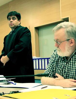 SOS Rasismes advokater trekker seg etter pengekrangel