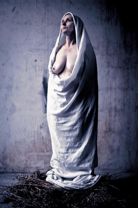 eldre x kvinner uten klær