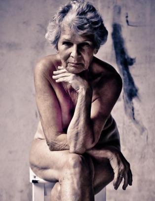 nakne eldre kvinner Narvik
