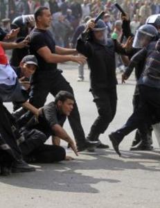 Styrker gikk l�s p� demonstratene i Kairo