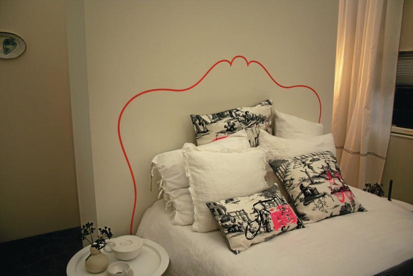 masking-washi-tape-wall-decor-frame-headboard-diy