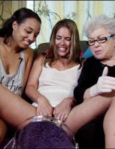 �Hva er det de innbiller seg, sm�trollene? At sex er forbeholdt dem mellom 16 og 23?�