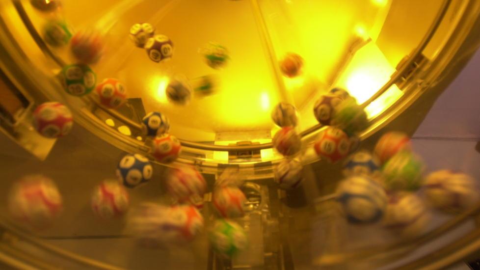 STEIKE!: Drammensmannen som vant 12 millioner i tipping i går hadde problemer med å tro på det da Norsk tipping ringte. Foto: Cornelius Poppe