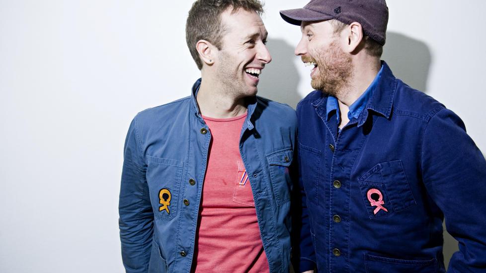 ENDELIG: Etter � ha avlyst det planlagte norgesbes�k i begynnelsen av november, entret Coldplay Sentrum Scene i g�r. Her vokalist Chris Martin og gitarist Jonny Buckland. Foto: Benjamin A. Ward / Dagbladet