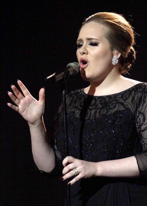 MANGE HITS: Adele hadde flere gode kandidater til Topp 25-lista i �r.