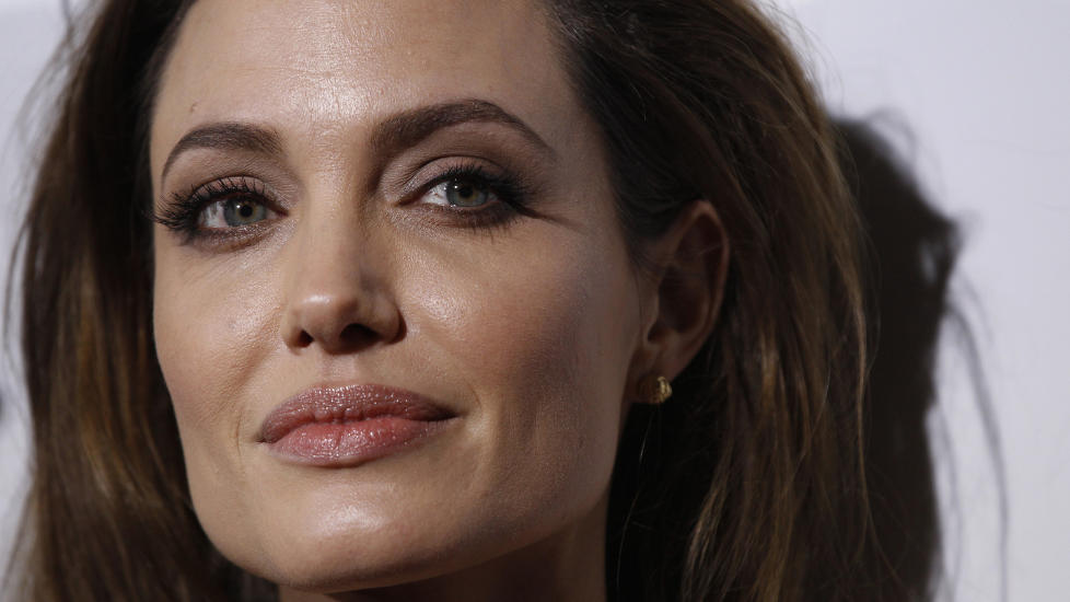 INGEN VENNINNETYPE: Angelina Jolie finner sjelden p ting sammen med de f venninnene hun har. Foto: Mario Anzuoni/Reuters/Scanpix