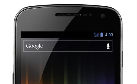 REN ANDROID: Galaxy Nexus bruker ikke noe skin av noe slag, bare standard Android. Det betyr at du selv m� forme startskjermen slik du vil ha den. Foto: Samsung